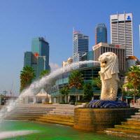 Сингапур - самый дорогой для жизни мегаполис в мире. На фото: символ Сингапура - Merlion