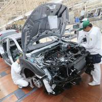 сборочная линия автомобилей Honda Civic на новом заводе Honda в Таиланде, в провинции Прачинбури
