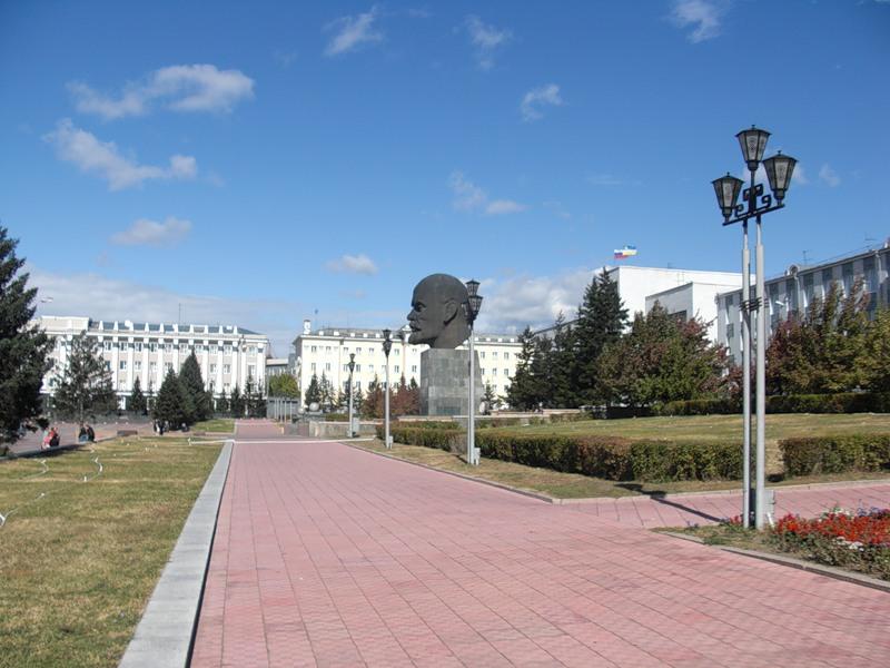 Памятник Ленину в Улан-Удэ, в Бурятии. Голова Ленина.