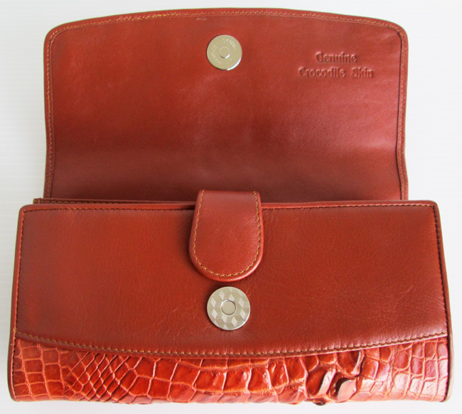 crocodile_ladies_wallet_soft_opened