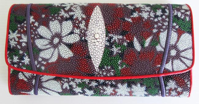 женский кошелек из морского ската, разноцветный с цветочками