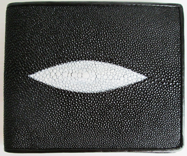 одна из самых ходовых моделей мужских кошельков из кожи ската