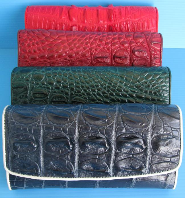 разнообразные женские кошельки из кожи крокодила