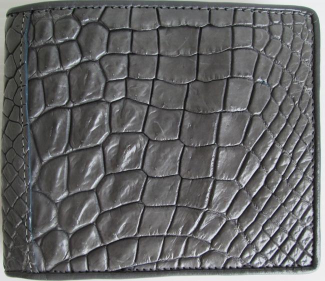 серый мужской кошелек из кожи крокодила, сделанный из кусков
