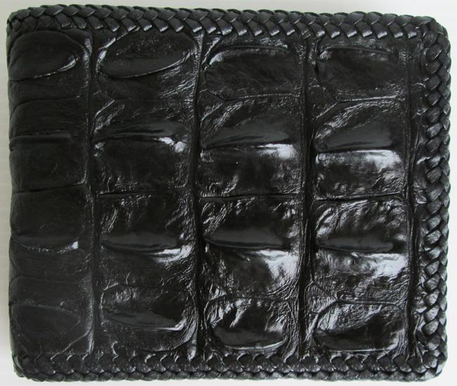 черный кошелек из кожи крокодила с крокодилинами со спины, номер модели - 050