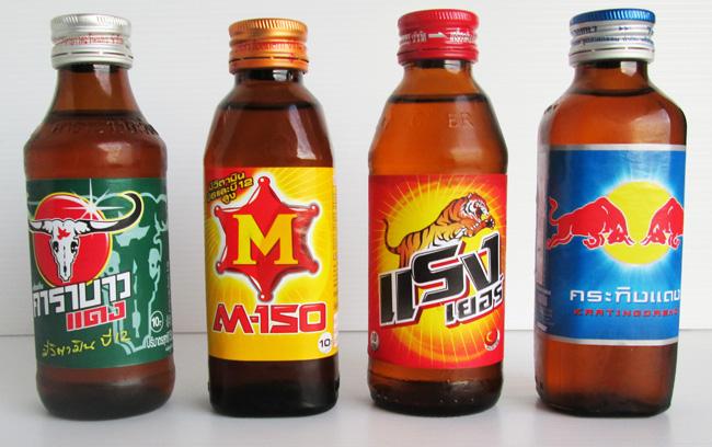 тайские напитки-энергетики: 4 вида, которые можно найти в любом магазине 7-Eleven в Таиланде