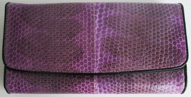 фиолетовый женский кошелек из кожи змеи