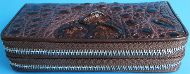 женский темно-коричневый двойной клатч из кожи крокодила с молниями и выдвигающимся ремешком