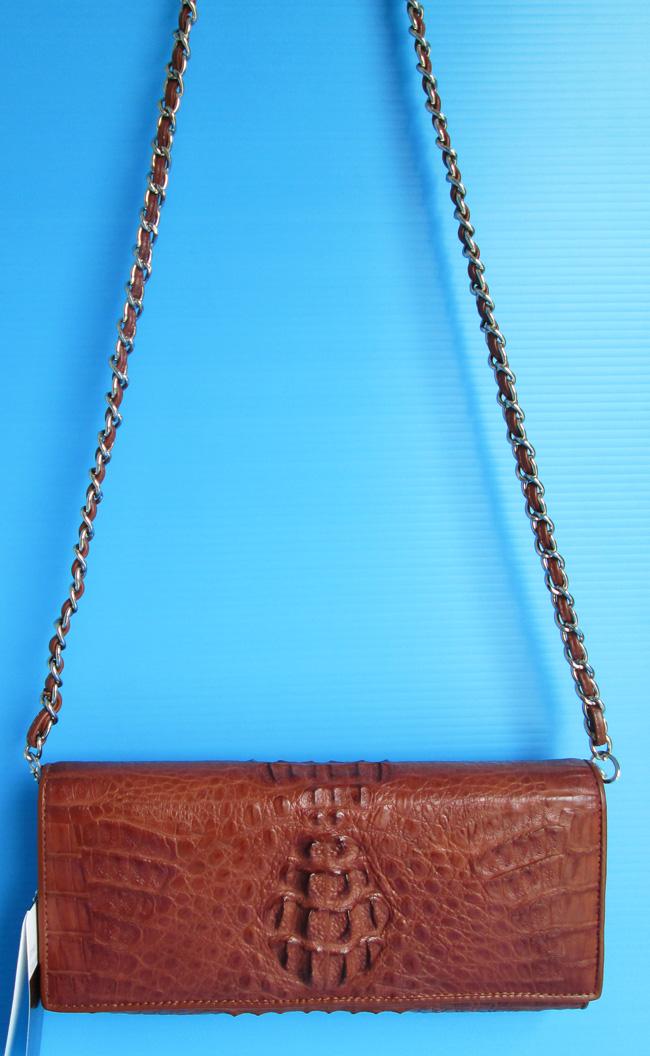 маленькая коричневая женская сумочка из кожи крокодила на ремешке-цепочке