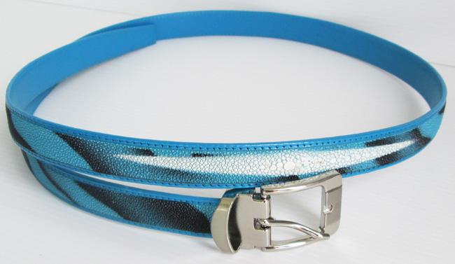 женский ремень из кожи ската голубого цвета