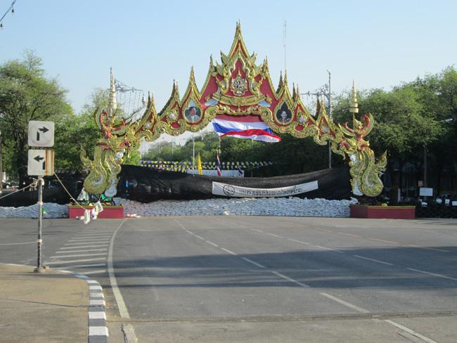 Bangkok_blockade_05
