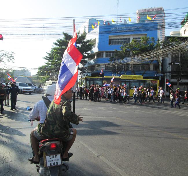 Bangkok_blockade_06