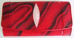 красный женский кошелек из кожи морского ската