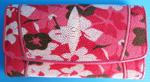 розовый женский кошелек из кожи ската с разноцветными узорами-цветочками