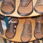 Рынок Чатучак: наводка на мужские кожаные тапки и сандалии