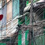Паутина из проводов на улицах городов Таиланда не понравилась Биллу Гейтсу