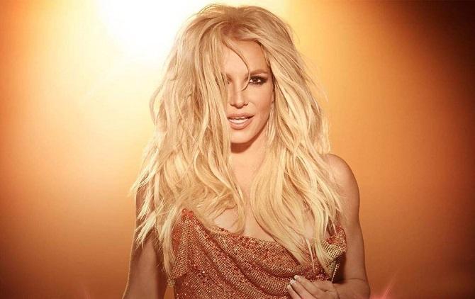 Бритни Спирс - шикарная блондинка и популярная американская певица, - посетила Бангкок в рамках азиатского турне