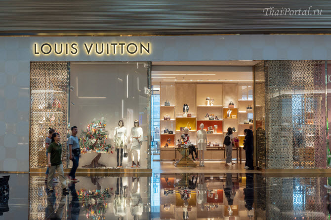Бутик Louis Vuitton внутри тц IconSiam в Бангкоке, Таиланд