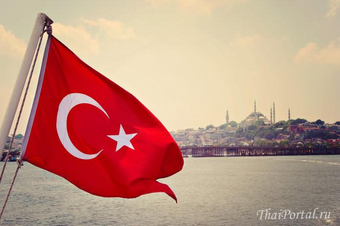 бесплатные экскурсии по Стамбулу от Turkish Airlines могут включать в себя прогулку на круизном судне по проливу Босфор