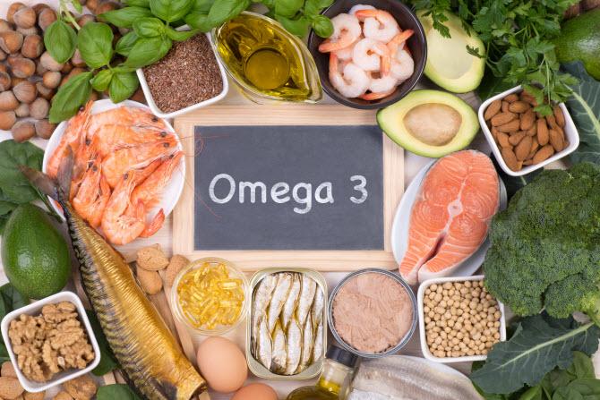 продукты, содержащие омега-3: рыба и морепродукты, орехи, авокадо и другие